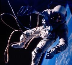 Американский астронавт