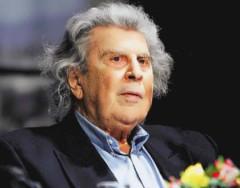 Микис Теодоракис